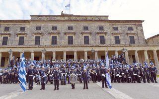 Η Φιλαρμονική Εταιρεία «Μάντζαρος» έχει ιστορία άνω των 125 ετών και συνεχίζει διευρύνοντας τη μουσική παράδοση της Κέρκυρας.