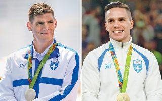 Mία ημέρα μετά το χρυσό μετάλλιο του Λευτέρη Πετρούνια (δεξιά) στους κρίκους, ο Σπύρος Γιαννιώτης πραγματοποίησε ακόμη έναν άθλο στα 10.000 μ. κολύμβησης ανοικτού νερού. Ο 36χρονος πρωταθλητής από την Κέρκυρα κατέκτησε το ασημένιο μετάλλιο, χάνοντας το χρυσό στο φωτοφίνις, ύστερα από μια εντυπωσιακή κούρσα και μια ανεπανάληπτη αντεπίθεση. Χαρμόσυνα νέα, όμως, ήρθαν και από την ιστιοπλοΐα. Το πλήρωμα των 470 με τους Μάντη-Καγιαλή εξασφάλισε ακόμη ένα μετάλλιο για την Ελλάδα και σήμερα θα αγωνιστούν για το χρώμα του. Η Κατερίνα Στεφανίδη πέρασε στον τελικό του επί κοντώ με ένα μόλις άλμα, ενώ η εθνική ομάδα στο πόλο αποκλείστηκε από την Ιταλία με 9-5.