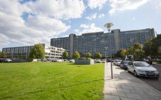Η Bundesbank εκτιμά ότι οι μεταρρυθμίσεις που έχουν σχεδιαστεί δεν επαρκούν, ενώ η γερμανική κυβέρνηση, η οποία ετοιμάζεται πυρετωδώς για τις εκλογές του 2017, απέρριψε τις αιτιάσεις της κεντρικής τράπεζας, υποστηρίζοντας ότι η αύξηση του ορίου στα 67 έτη είναι αρκετή.