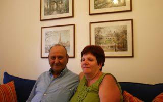 Ο κ. Γιακοέλ και η σύζυγός του ζουν σήμερα πάμπτωχοι σε ένα διαμερισματάκι με χαμηλό ενοίκιο, που τους παραχώρησε η Εβραϊκή Κοινότητα Ιωαννίνων.