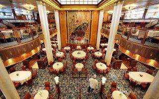 Το εστιατόριο «Μπριτάνια», του Queen Mary 2, μετά την ανακαίνιση που ολοκληρώθηκε στις αρχές Ιουλίου.