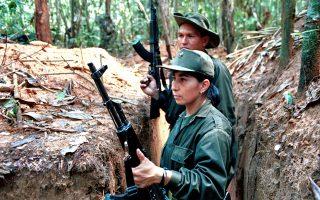 Εικόνα αρχείου, από το 1999, ανταρτών του FARC στην περιοχή της πόλης Ντολόρες, 180 χλμ. νοτιοανατολικά της πρωτεύουσας της Κολομβίας Μπογκοτά.