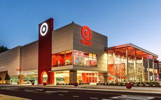 Το μποϊκοτάζ των καταναλωτών στα προϊόντα της αμερικανικής αλυσίδας σούπερ μάρκετ ανάγκασε την Target να κατασκευάσει περισσότερες «οικογενειακές τουαλέτες».
