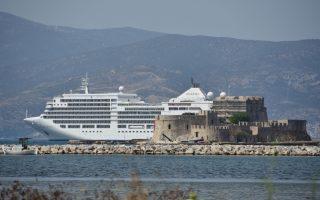 Η Ενωση Εφοπλιστών Κρουαζιερόπλοιων και Φορέων Ναυτιλίας διατύπωσε  τις ανησυχίες αλλά και τις προτάσεις της, με δεδομένο ότι αρκετές εταιρείες κρουαζιέρας ανακοίνωσαν την αποχώρηση πλοίων τους από την Αν. Μεσόγειο.