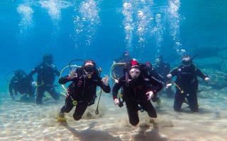 Το Καταδυτικό Κέντρο Σίφνου (www.greekdive.gr) θα σας µυήσει στον υποθαλάσσιο πλούτο του νησιού. (Φωτογραφία: ΘΥΜΙΟΣ ΚΑΚΟΣ)