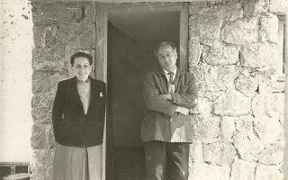 Ο Γιώργος Ζογγολόπουλος και η σύζυγός του, ζωγράφος Ελένη Πασχαλίδου.