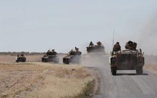O Ερντογάν διαμηνύει ότι οι ένοπλες δυνάμεις θα συνεχίσουν τις επιχειρήσεις στη Β. Συρία, με στόχο τόσο το Ι.Κ. όσο και το κουρδικό PYD και το YPG.