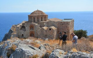 Η αποκατάσταση της Αγίας Σοφίας Μονεμβασιάς ήταν ένα από τα δύσκολα έργα της Διεύθυνσης Αναστήλωσης Βυζαντινών και Μεταβυζαντινών Μνημείων.