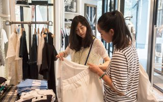 Η μείωση των γάμων σημαίνει και πτώση δαπανών, που αποτελούν την κινητήριο δύναμη της κινεζικής οικονομίας.