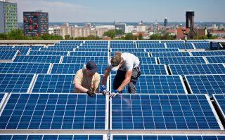 Το θέμα του μηδενισμού του ελλείμματος καλύφθηκε κατά ένα μεγάλο μέρος με τον νόμο για την ανάπτυξη των Ανανεώσιμων Πηγών Ενέργειας, που επίσης προχώρησε στο πλαίσιο εφαρμογής των δεσμεύσεων με τους πιστωτές.