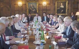 to-brexit-apeilei-5-500-vretanikes-etaireies-2151752
