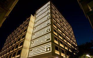 Το ολοκαίνουργιο Electra Metropolis, εντυπωσιακό και τη νύχτα. Φωτογραφίες: Βαγγέλης Ζαβός