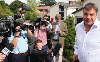 Ο προπονητής της εθνικής Αγγλίας έπεσε θύμα δημοσιογράφων που υποδύθηκαν Ασιάτες επενδυτές. Τα όσα φέρεται να είπε οδήγησαν την αγγλική ομοσπονδία να ανακοινώσει χθες βράδυ την απόλυσή του.