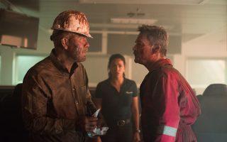 Ο Τζον Μάλκοβιτς υποδύεται τον υπεύθυνο της BP και ο Κερτ Ράσελ τον επικεφαλής της Transocean, στη μοιραία πλατφόρμα Deepwater Horizon.