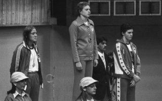 Η απογοήτευση και ο θυμός της Μπαμπάσοφ (αριστ.) αποτυπώνονταν σε κάθε φωτογραφικό «κλικ».