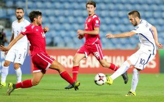Η πλειονότητα των διεθνών είναι παίκτες που αγωνίζονται σε ομάδες του εξωτερικού. Από τους 23 κληθέντες, οι 15 είναι «λεγεωνάριοι» και μόνο οι 8 παίζουν σε ελληνικούς συλλόγους.