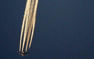 Οι αεροψεκασμοί είναι μια θεωρία συνωμοσίας που επιχειρεί να ερμηνεύσει τα λευκά ίχνη υδρατμών που αφήνουν τα αεροπλάνα σε μεγάλο υψόμετρο ως μυστικά προγράμματα κυβερνητικών υπηρεσιών με χημικές και βιολογικές ουσίες.