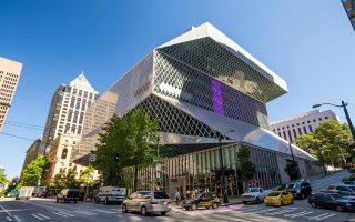 H Δημόσια Βιβλιοθήκη στο Σιατλ των Ηνωμένων Πολιτειών: 11 όροφοι από γυαλί και ατσάλι. Ολοκληρώθηκε το 2004.