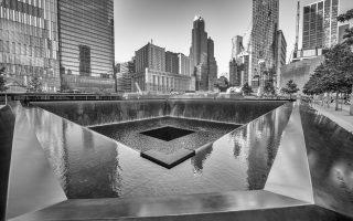 Το Σημείο Μηδέν στη Νέα Υόρκη. Στη φετινή επέτειο των 15 ετών από την επίθεση στους Δίδυμους Πύργους, το ιστολόγιο «Πλανόδιον» καλεί σε ένα λογοτεχνικό ταξίδι στα γεγονότα που άλλαξαν τις ανθρώπινες συνειδήσεις.