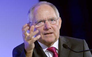 Σύμφωνα με τη Handelsblatt, «το ΔΝΤ ασκεί πιέσεις στον Σόιμπλε» για το θέμα της νέας ρύθμισης του ελληνικού χρέους.