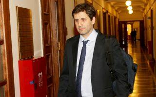 Ο Γ. Χουλιαράκης, προ 20ημέρου περίπου, είχε ενημερώσει τις ενώσεις για το πλαίσιο της κυβερνητικής πρότασης για το ειδικό μισθολόγιο των δικαστών.