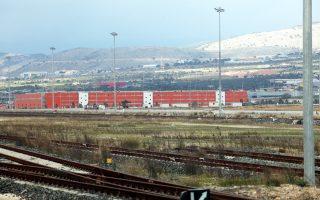 Η Cosco πραγματοποιεί επαφές με την Trenitalia, η οποία εξαγοράζει την ΤΡΑΙΝΟΣΕ, ώστε να συνεργαστούν στο Θριάσιο εμπορευματικό κέντρο, όπου η ΤΡΑΙΝΟΣΕ διαθέτει δικαίωμα χρήσης των μεγάλων αποθηκευτικών χώρων Κ1 και Κ2.