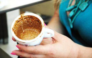 Κάθε άλλο παρά παρωχημένο είναι το επάγγελμα της καφετζούς...