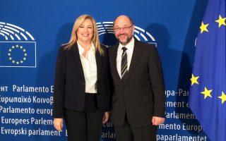 Η πρόεδρος του ΠΑΣΟΚ Φώφη Γεννηματά, κατά τη χθεσινή συνάντηση, στις Βρυξέλλες, με τον πρόεδρο του Ευρωκοινοβουλίου Μάρτιν Σουλτς.