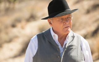 O Aντονι Χόπκινς είναι ο διευθυντής του «Westworld».