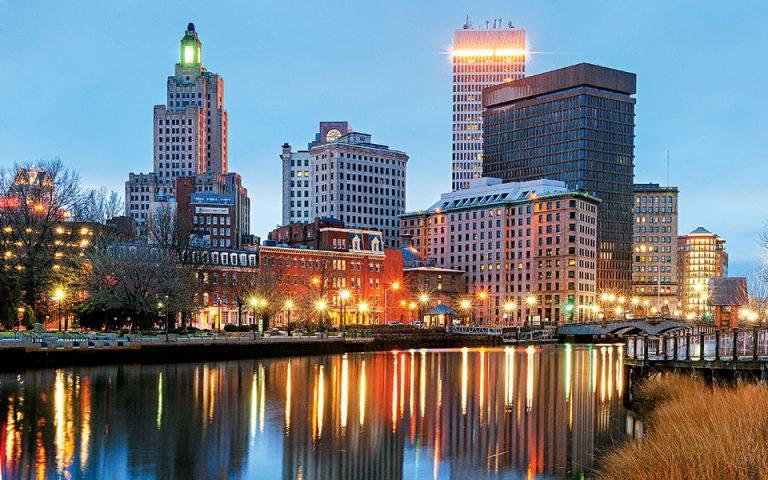 Τρεις αιώνες αρχιτεκτονικής συνυπάρχουν στο αστικό τοπίο της Providence, πρωτεύουσας του Rhode Island. (Φωτογραφία: Getty images/Ideal image)