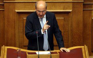 chatzidakis-gia-varoyfaki-o-tsipras-frenare-alla-eimaste-akoma-konta-sto-gkremo0