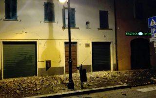 ylikes-zimies-apo-tis-ischyres-seismikes-doniseis-stin-kentriki-italia-amp-8211-xeperasan-toys-60-oi-metaseismoi0