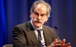 Ο Τζον Λίπσκι παραδέχεται ότι η απόφαση έγκρισης του πρώτου ελληνικού προγράμματος χωρίς «κούρεμα» του χρέους δεν ήταν εύκολη.