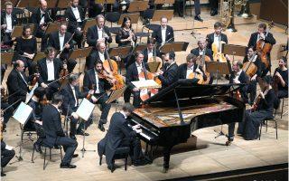 Ο πιανίστας Νικολάι Λουγκάνσκι με τη Φιλαρμονική Ορχήστρα του Βερολίνου υπό τον Τουγκάν Σοχίεφ στην Αθήνα (φωτ.: Ακριβιάδης)