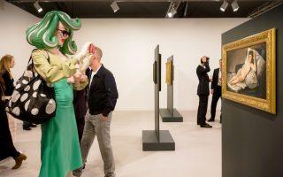 Το ντύσιμο των επισκεπτών άγγιζε τα όρια …της τέχνης. Φωτογραφίες: Παναγής Χρυσοβέργης