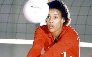 Στις 24 Ιανουαρίου 1986 η Φλο άφησε την τελευταία της πνοή στο γήπεδο. Επασχε από το σύνδρομο Μαρφάν, αλλά δεν το γνώριζε...