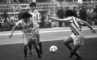 Kόντρα σε Καπουράνη και Παπαχρήστου σε ματς του Ηρακλή με τον Ολυμπιακό το 1986.