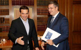 Τον περιφερειάρχη Κεντρικής Μακεδονίας, Απ. Τζιτζικώστα, υποδέχθηκε χθες στο Μαξίμου ο πρωθυπουργός.