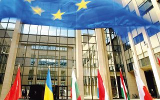 Από το 2018, οι φορολογικές αρχές των κρατών-μελών της Ευρωπαϊκής Ενωσης θα έχουν αυτομάτως πρόσβαση στις πληροφορίες που διαθέτει η καθεμία σχετικά με τους πραγματικούς μετόχους εταιρειών.
