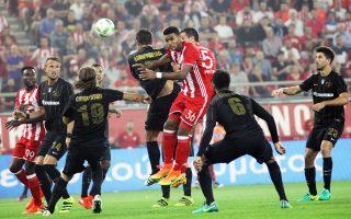 «Η Καμόρα του ελληνικού ποδοσφαίρου επέστρεψε», τόνισε η ΑΕΚ, ενώ ο Ολυμπιακός υπογράμμισε ότι «δεν είναι τυχαίος ο χρόνος που επιλέγεται να γίνει αυτή η πράξη».