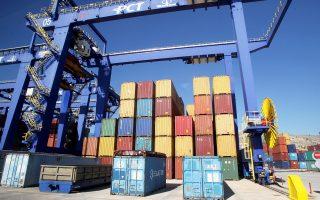 Συνολικά διακινήθηκαν 2,936 εκατ. εμπορευματοκιβώτια, έναντι 2,53 εκατ. εμπορευματοκιβωτίων κατά το περυσινό δεκάμηνο.