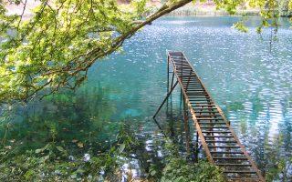 Ο αγωγός που μεταφέρει νερό από τις πηγές του Λούρου στη Λευκάδα έχει παλιώσει, αφού κατασκευάστηκε πριν από 20-30 χρόνια.