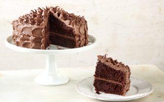 devil-s-food-cake-ploysio-keik-sokolatas-me-epikalypsi-sokolatas-galaktos-2160909