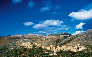 Η Βάθεια, σιωπηλή και με αυστηρή όψη, ως γνήσιο μανιάτικο χωριό. (Φωτογραφία: ΚΛΑΙΡΗ ΜΟΥΣΤΑΦΕΛΛΟΥ)