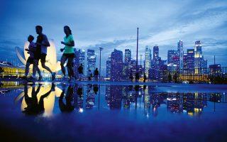 Η Esplanade είναι ιδανική για περίπατο ή τζόγκινγκ. (Φωτογραφία: REUTERS/Edgar Su)