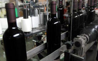 Τον Ιούνιο του 2016 είχαν εισπραχθεί μόλις 4 εκατομμύρια ευρώ από τον φόρο στο κρασί.