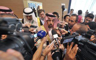 O Σαουδάραβας υπουργός Ενέργειας Χαλίντ αλ Φαλίχ δήλωσε ότι παραμένει θετικός σε ό,τι αφορά τη συμφωνία για μείωση της παραγωγής.