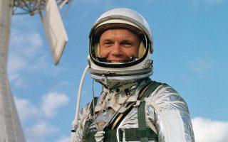 Ο Τζον Γκλεν κατά τη διάρκεια εκπαίδευσης το 1962. Ηταν ο πρώτος Αμερικανός αστροναύτης που πραγματοποίησε τροχιά γύρω από τη Γη.