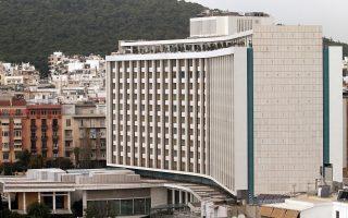 Η μεγαλύτερη φετινή συναλλαγή αφορά την πώληση του Hilton αντί 44 εκατ. ευρώ. Το ξενοδοχείο αναμένεται να περάσει και τυπικά υπό τον έλεγχο της κοινοπραξίας ΤΕΜΕΣ και της τουρκικής D-Marine Investments Holding B.V. έως το τέλος του έτους.