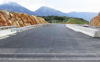 Με τον νέο αυτοκινητόδρομο, αναβαθμίζεται σημαντικά το επίπεδο οδικής ασφάλειας.